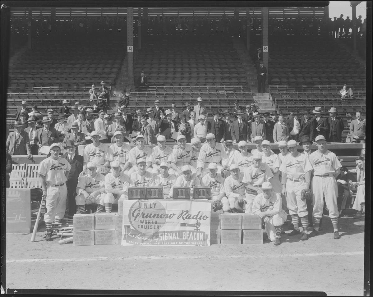 Black-and-white photo of the 1934 St. Louis Cardinals advertising Grunow Radios