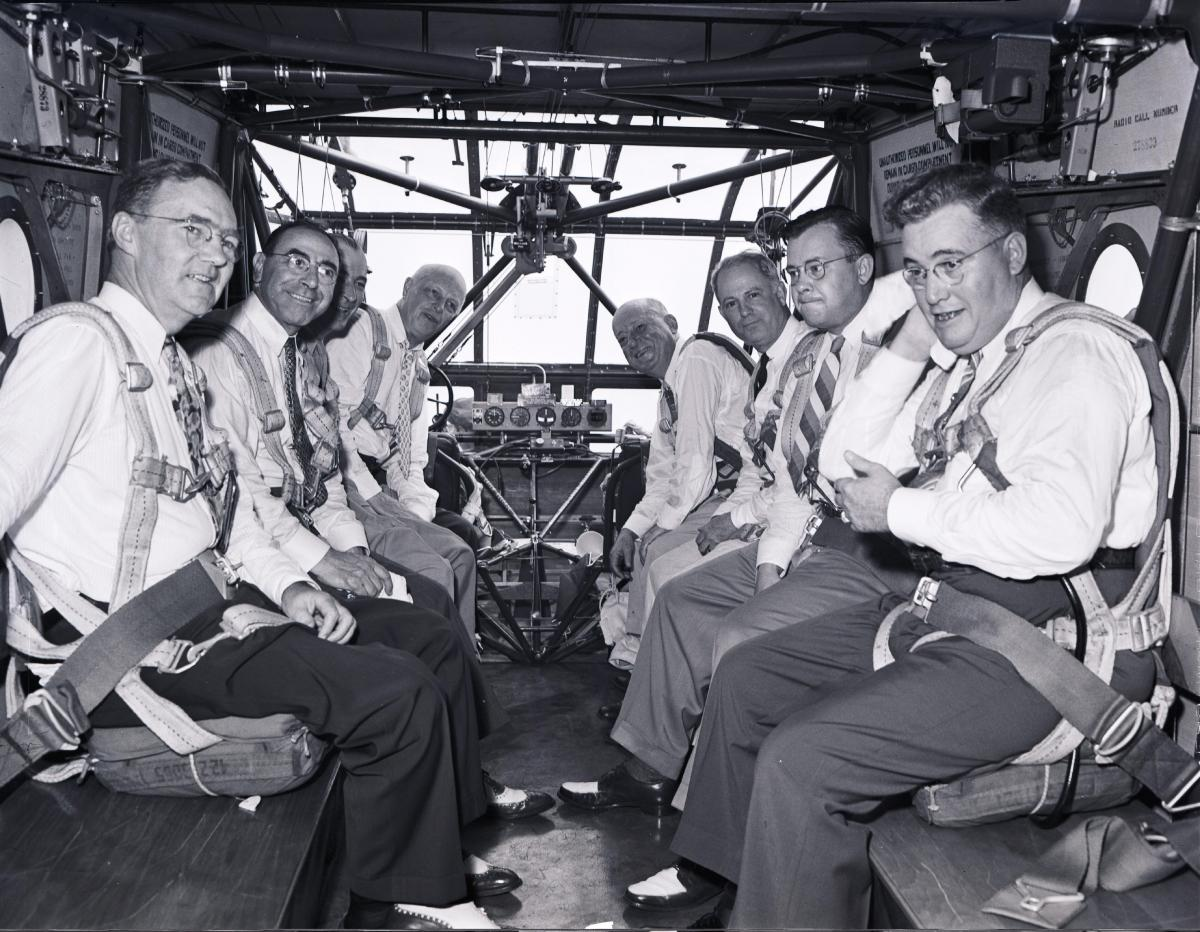Black-and-white photo of the victims of the 1943 glidercrash
