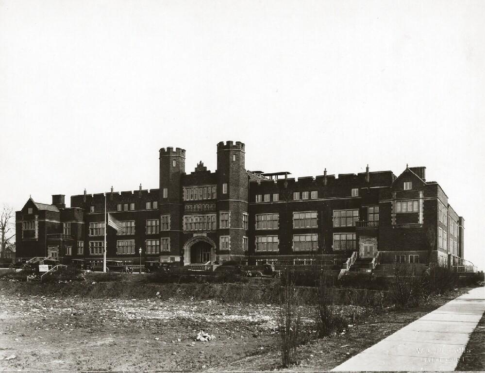 Black-and-white photo of Cleveland HS