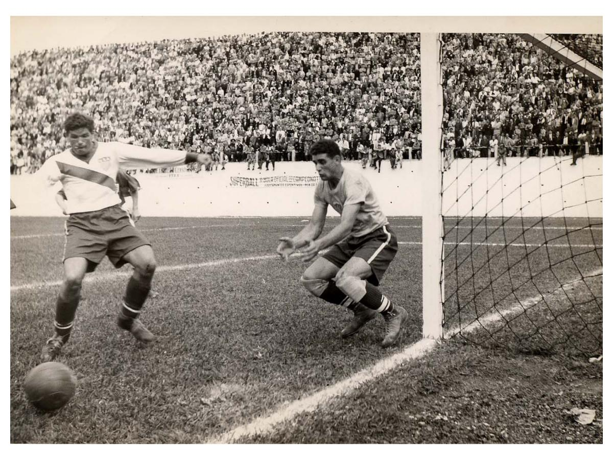 Sepia-toned photo from the 1950 World Cup match between England and USA