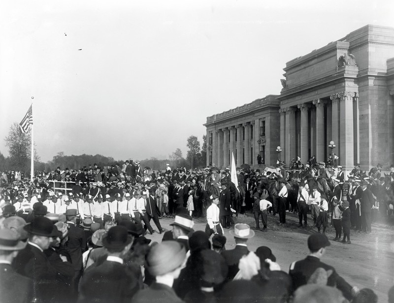 Photo of Jefferson Memorial on its dedication day