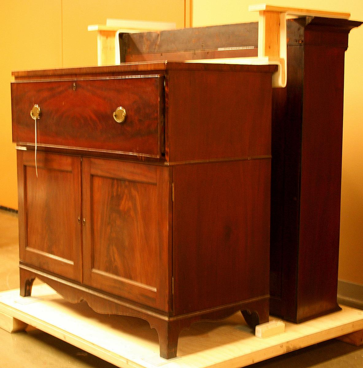 Color photo of desk used by Meriwether Lewis