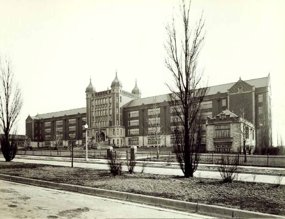Black-and-white photo of Roosevelt HS