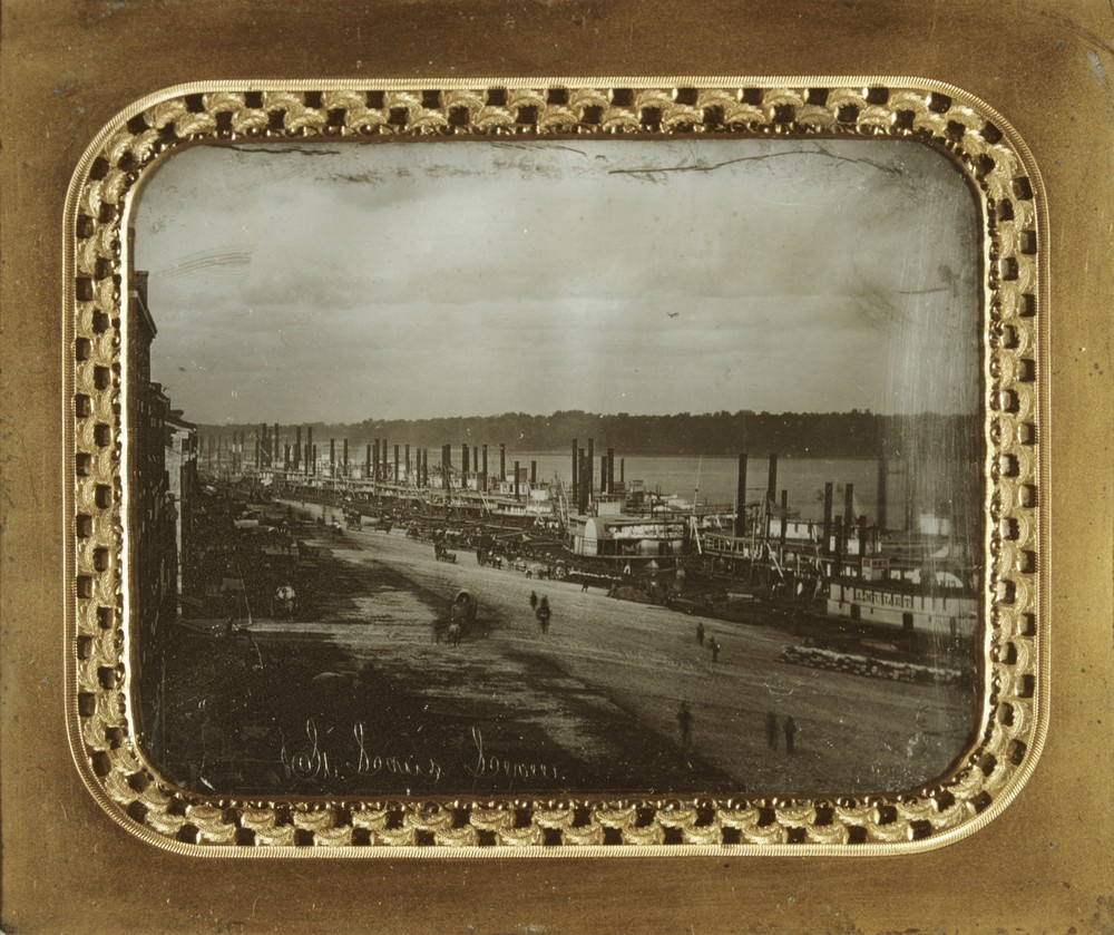 Daguerreotype of the St. Louis levee in 1852