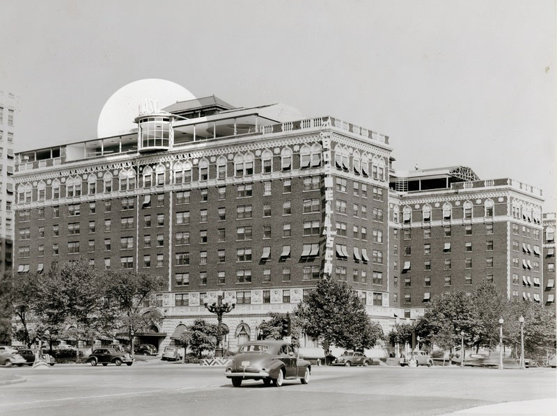 "Photograph of the Chase Hotel featuring the original art deco ""CHASE"" sign in 1940."